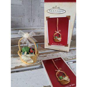 Hallmark basket of joy knitting 2003 ornament Xmas